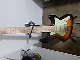 Guitarra stratocaster strinberg com cabo e palheta